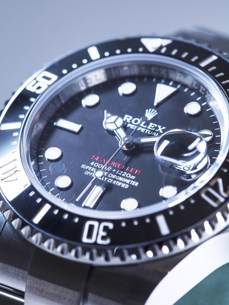 這款腕錶本來就是為全世界的勞迷所推出的,如果不是鐵粉,根本也不了解它們推出這款紅字的意義為何。