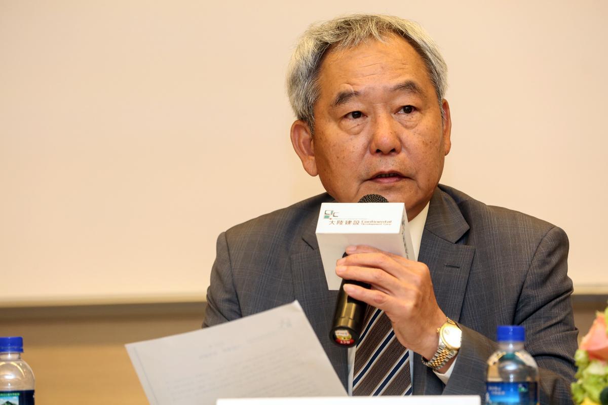 大陸建設董事長張良吉直言,每坪200萬元是琢白底線,否則他不能接受。