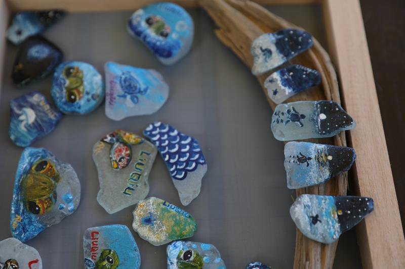 藝術家:不要珍藏海灘貨幣,請到小琉球消費!