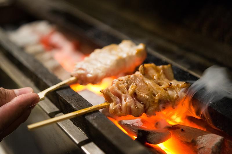 日本米其林燒鳥 拆解全雞再放大局部美味