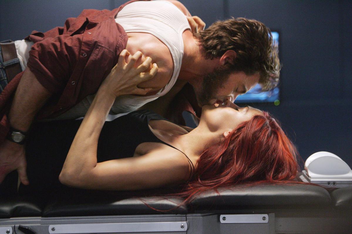 在《X戰警》系列裡,金剛狼愛上的是琴葛雷。