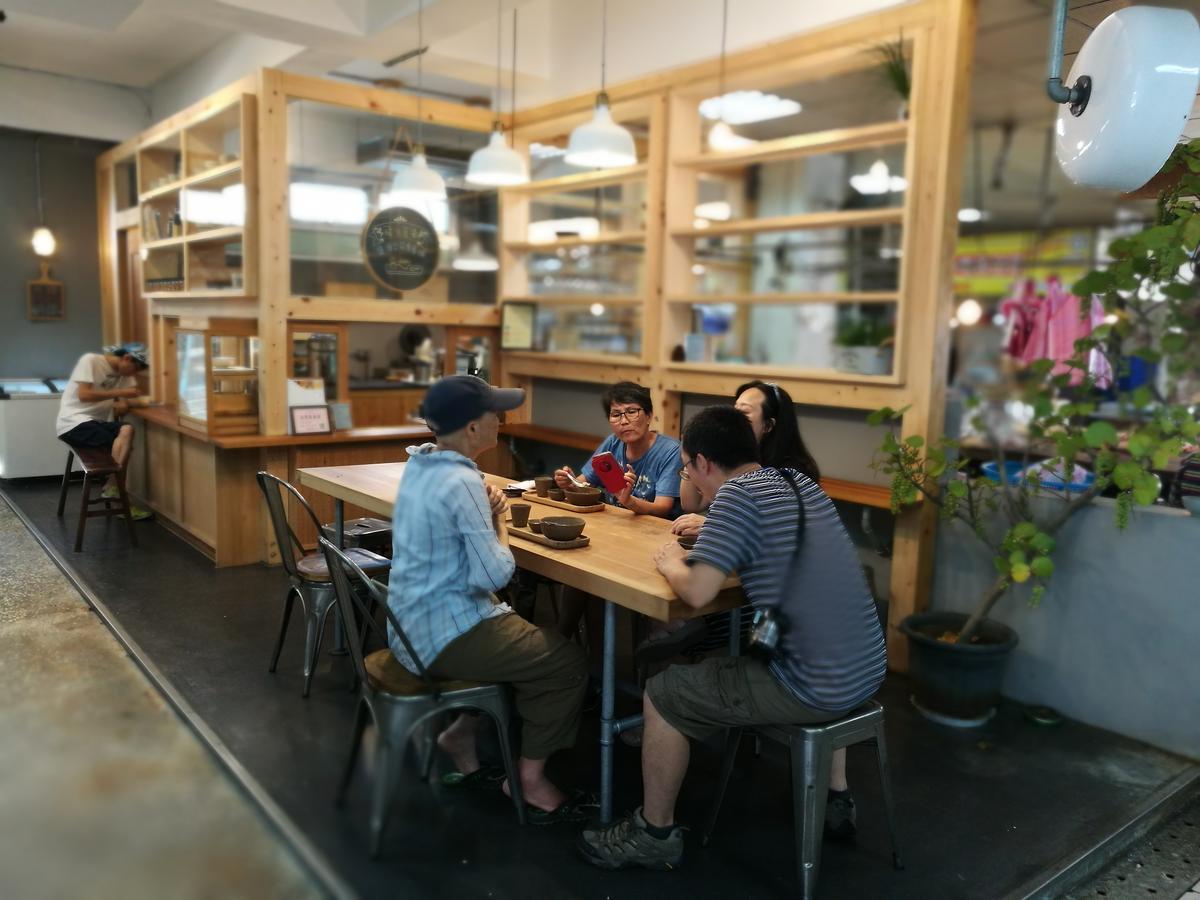 冬山舊市場裡的小清新鹽滷豆花店