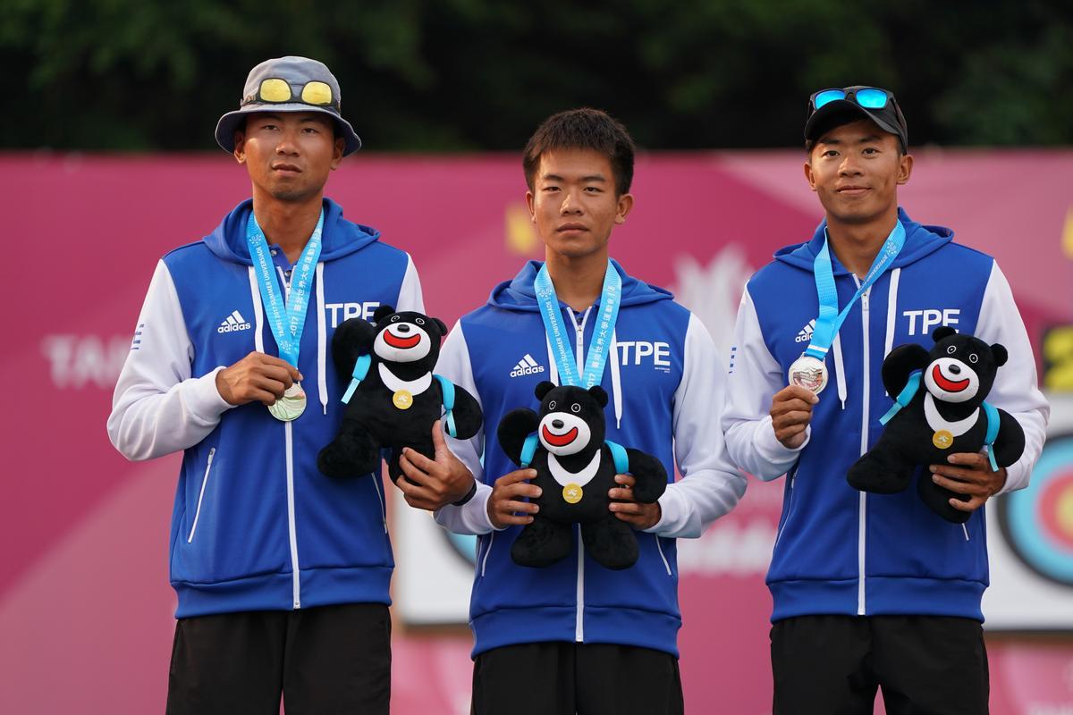 男子組遇上南韓一路落敗,最後以0:6拿下銀牌。