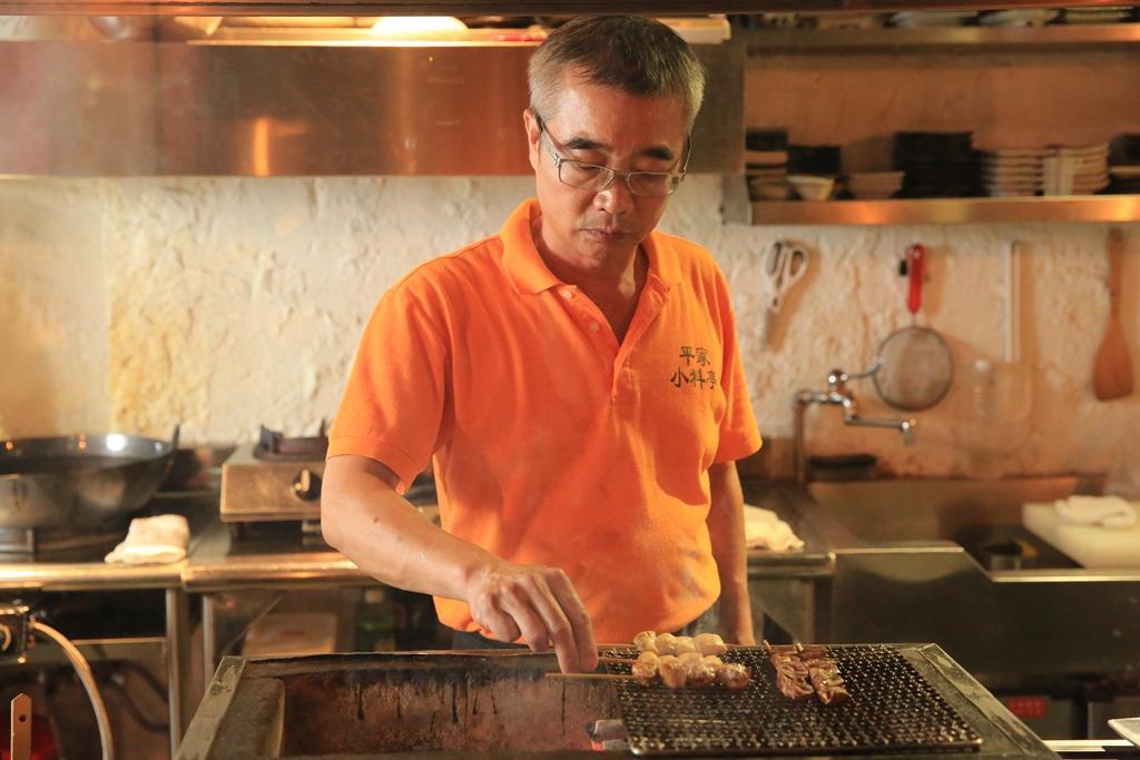 老闆洪波平做過10年懷石料理,也曾跟日本人學家庭料理和串燒。