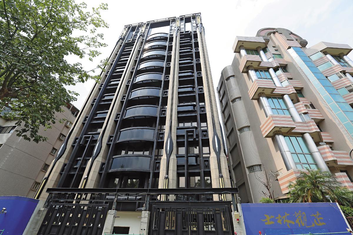 房地產業者透露,士林觀芷也是市場上整棟打包對折賣的著名案例。
