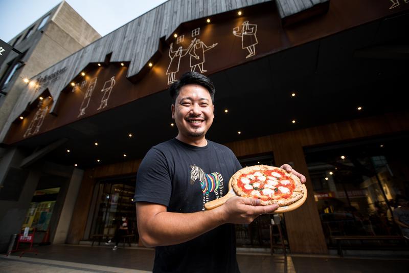 路邊攤起家 他將49元披薩做出4億營收
