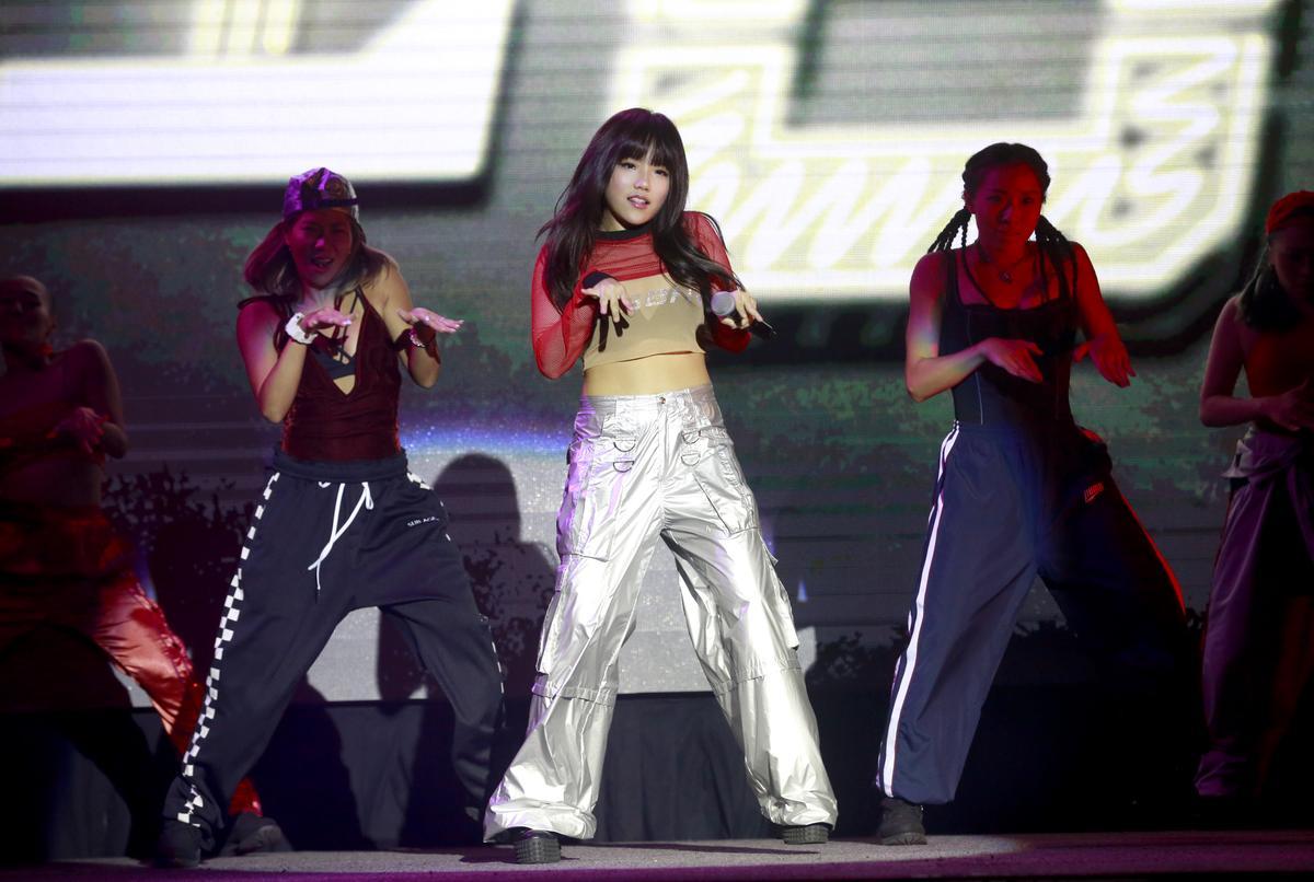 安那22日將推出首張迷你專輯《我叫安那》,將展開學生跟歌手兩頭燒的忙碌生活。