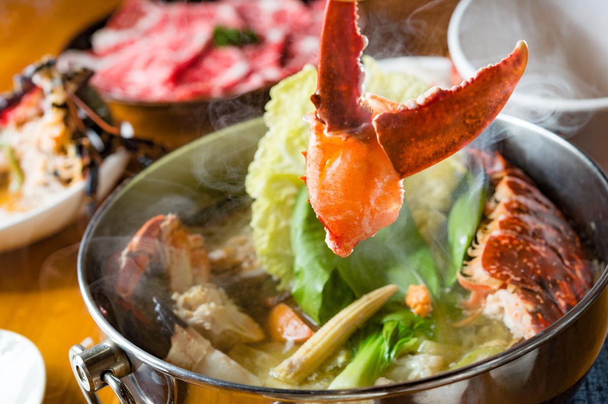 法國藍龍蝦的大螯飽實鮮美、海味十足。