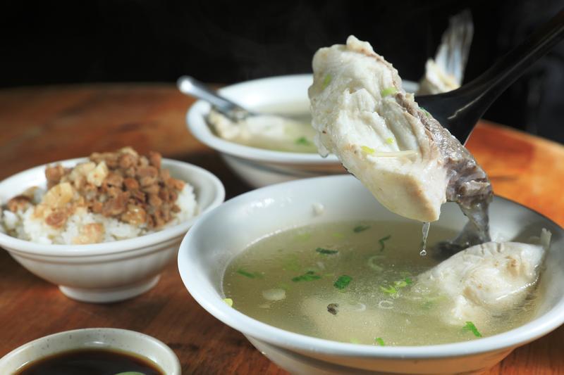 【獨嘉爆料】嘉義人一天的氣力 草魚湯配魯肉飯