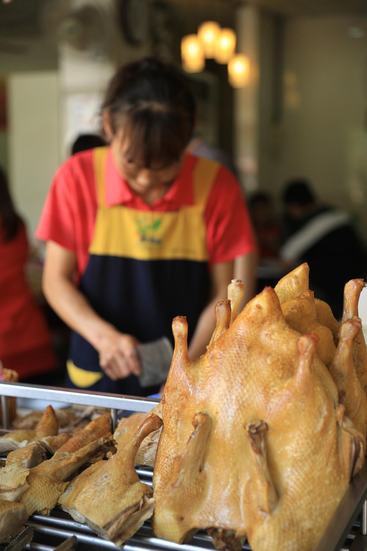 鴨肉都用每天新鮮處理的溫體鴨製作,才會鮮嫩甘甜。