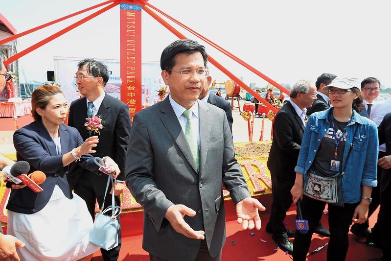 台中市長林佳龍尋求連任,任內空汙交通及低薪問題,成為對手攻擊焦點。