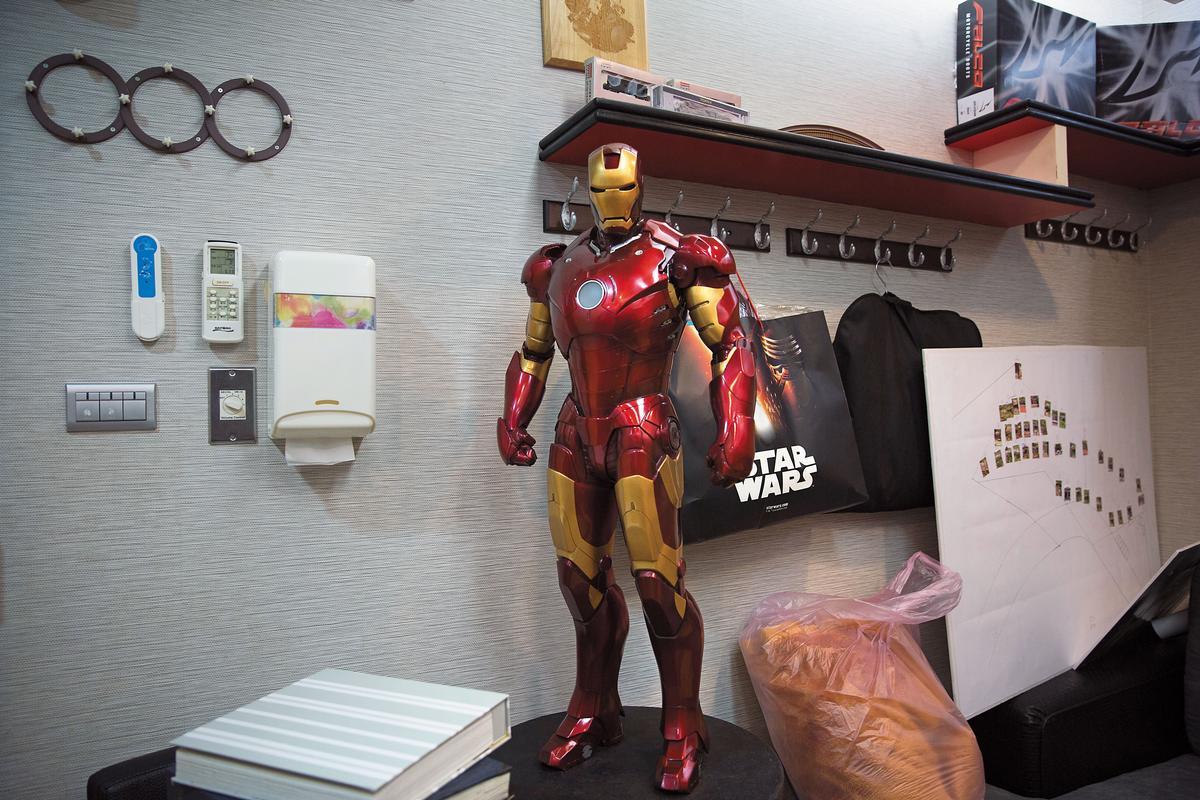 父子都喜歡美國電影《鋼鐵人》。阮橋本被網友稱為擁有鋼鐵意志的「鋼鐵爸」。